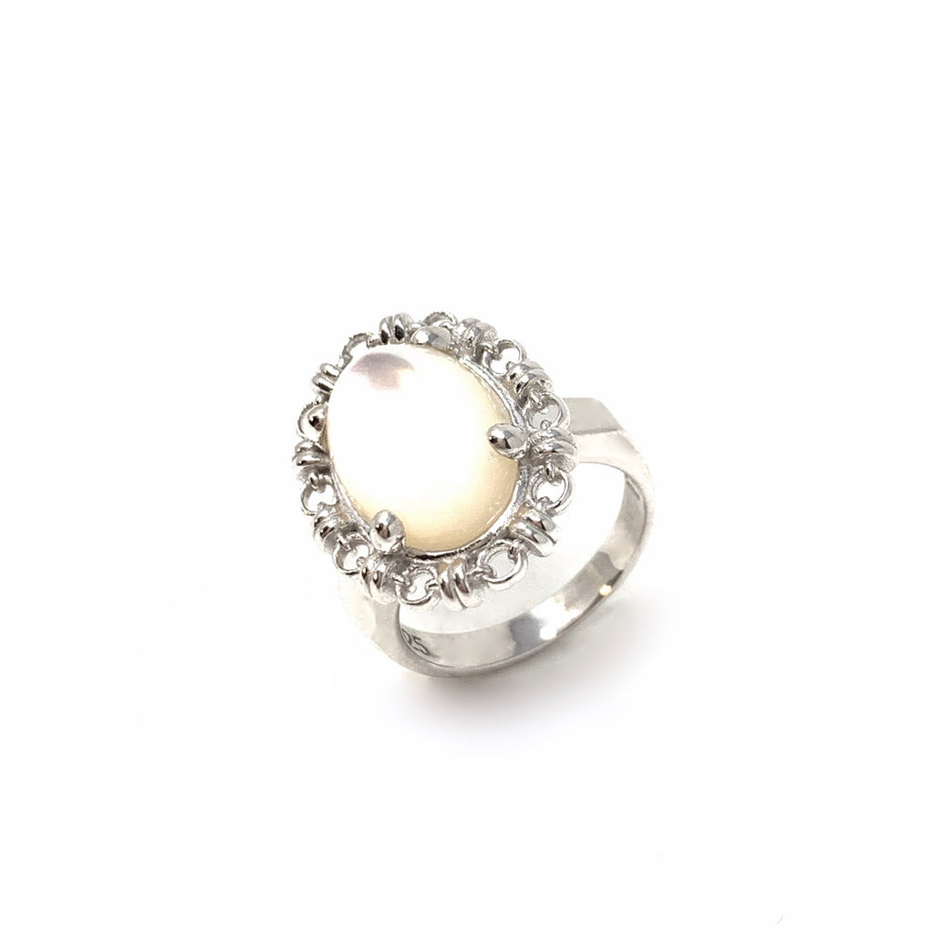 Aperitivo Ring in Silver with Mother of Pearl