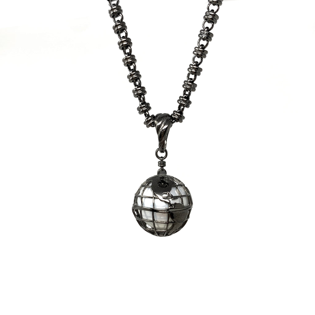 Pendant Globe Small Mother of Pearl Ruthenium
