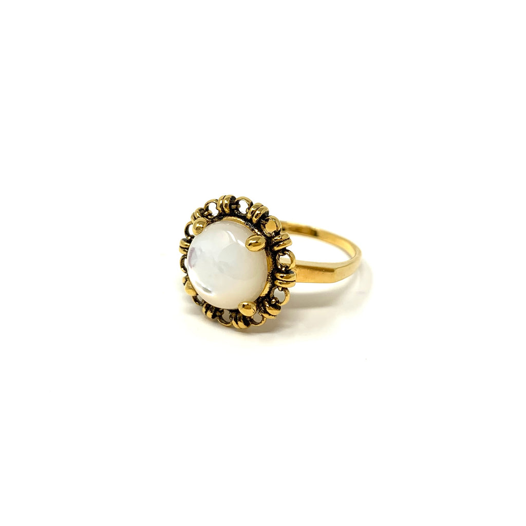 Ring Filary 10mm Mother of Pearl Cabochon Antique Gold