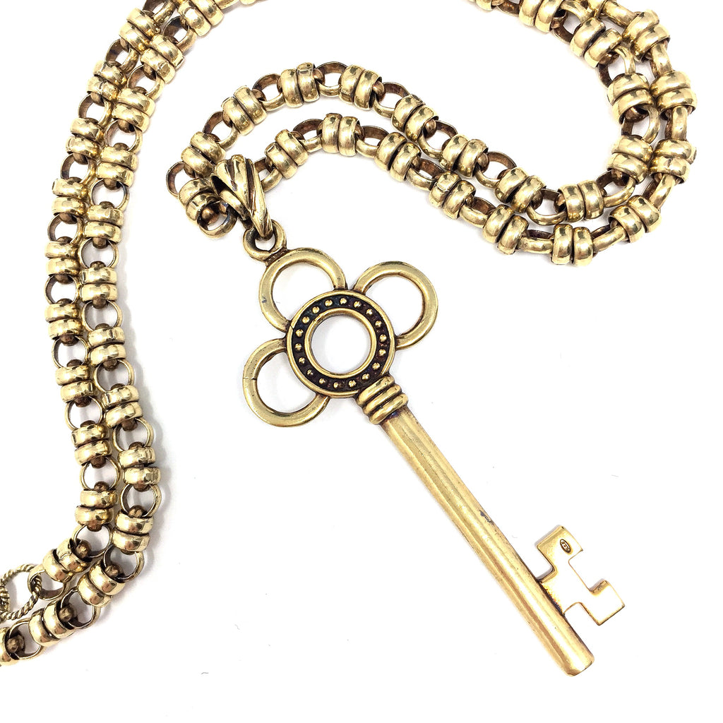 Flower Key Pendant (Antique Gold)