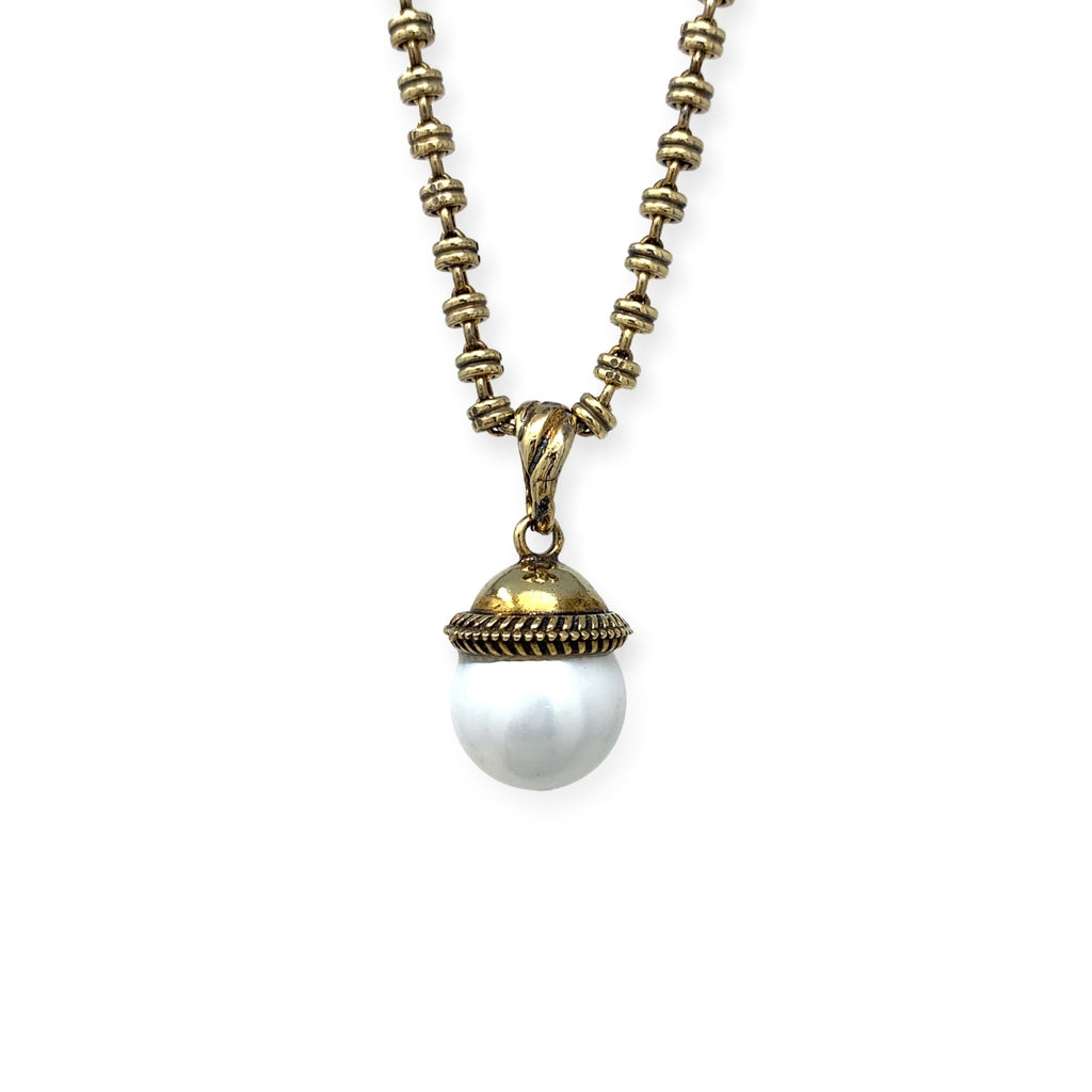 Mother of Pearl Cappellino Pendant (Antique Gold)