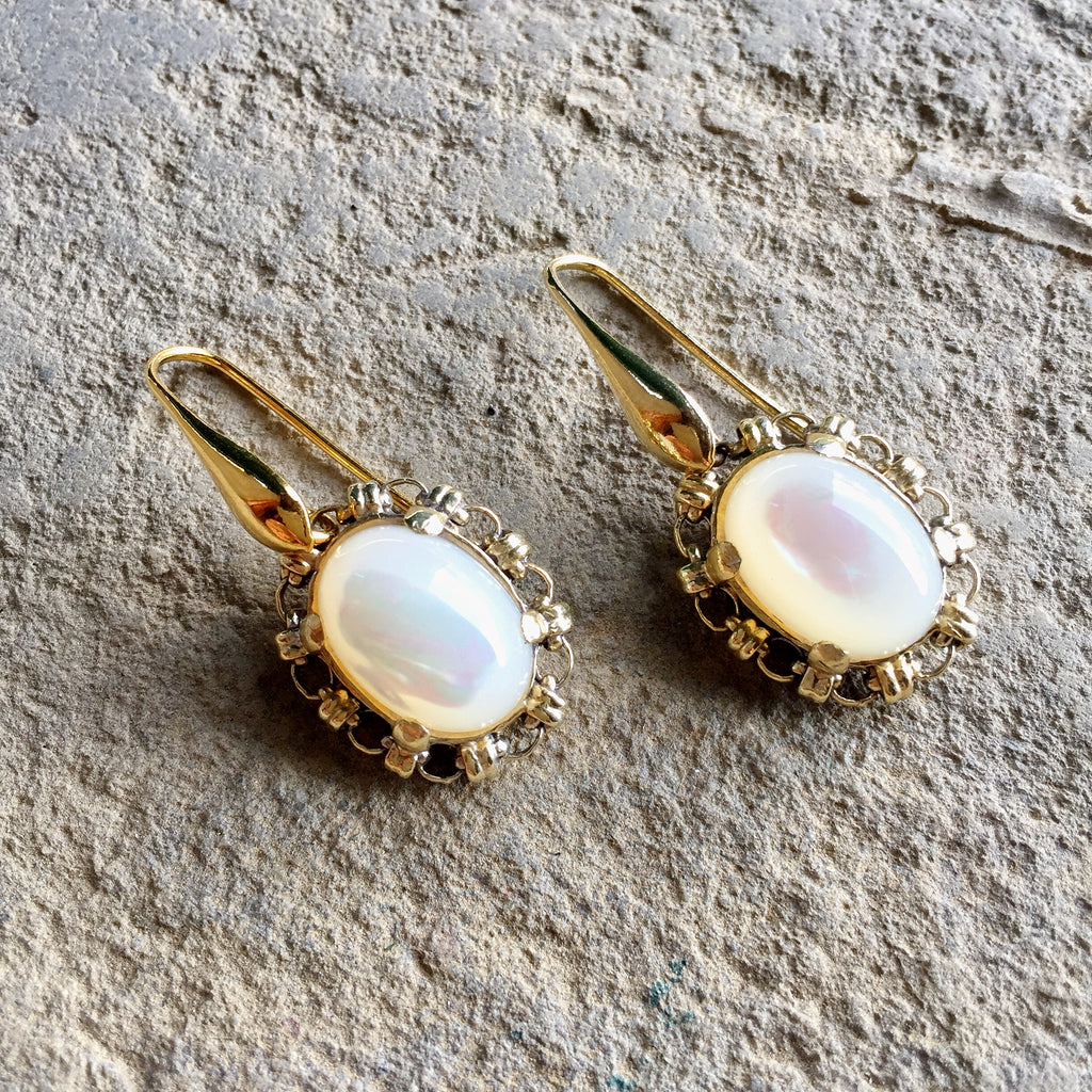Mother of Pearl Aperitivo Earrings (Antique Gold)