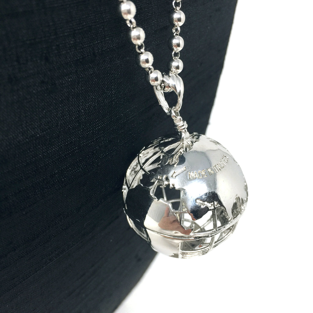 The World is my Oyster Globe Pendant (Rhodium)