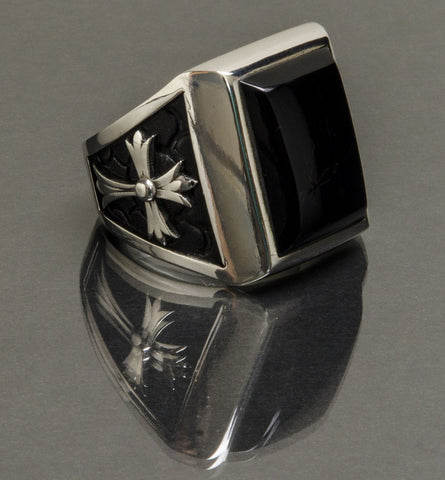 Stone Temple Ring Onyx