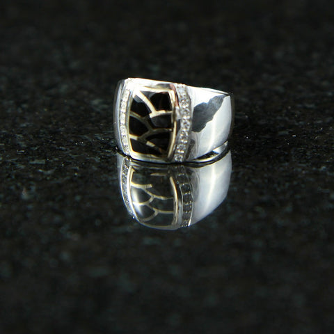 DeAcoma Tonneau Ring with Scalloped Inlay