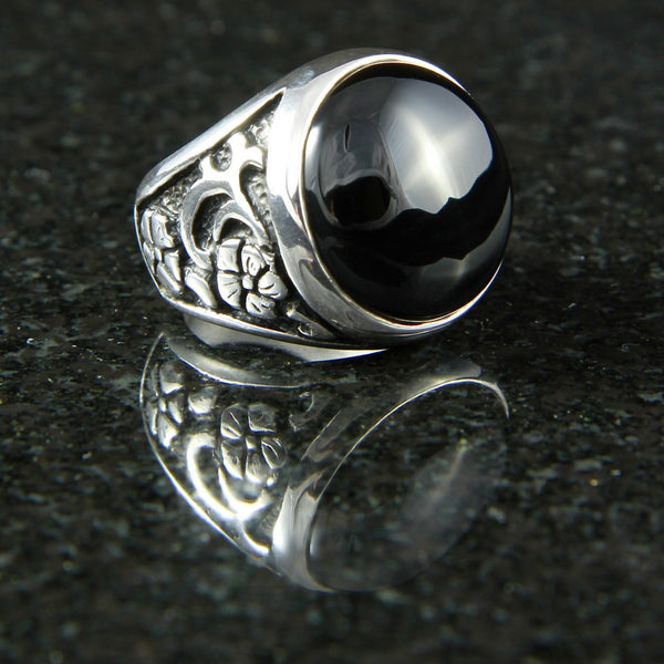 Flower Ring with Onyx