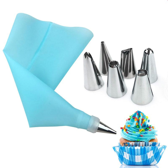 6 Stainless Steel Nozzles And Silicone Pastry Bag.