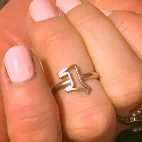 Dainty Steer Ring- Size 7.5
