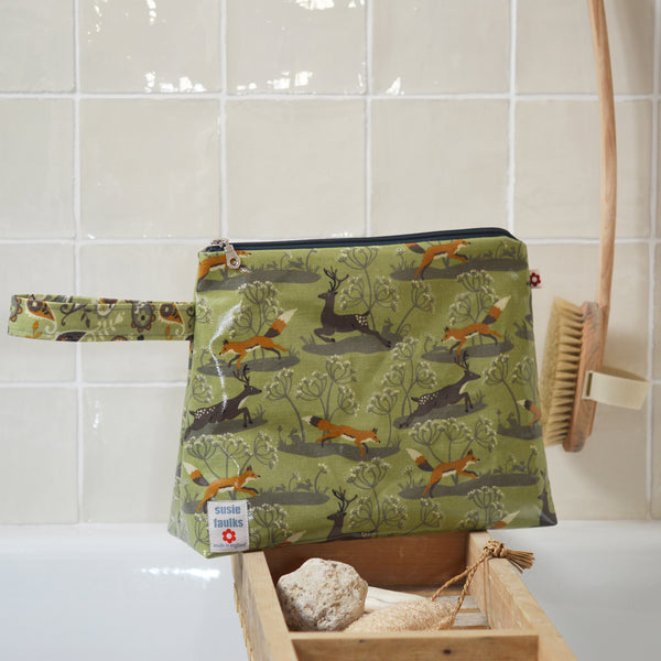 Fox & Deer Green Large Washbag