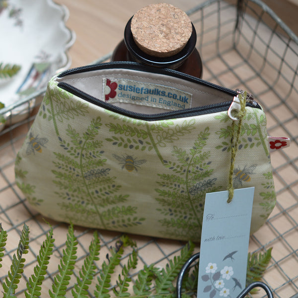 Fern & Bee Small Oilcloth Purse