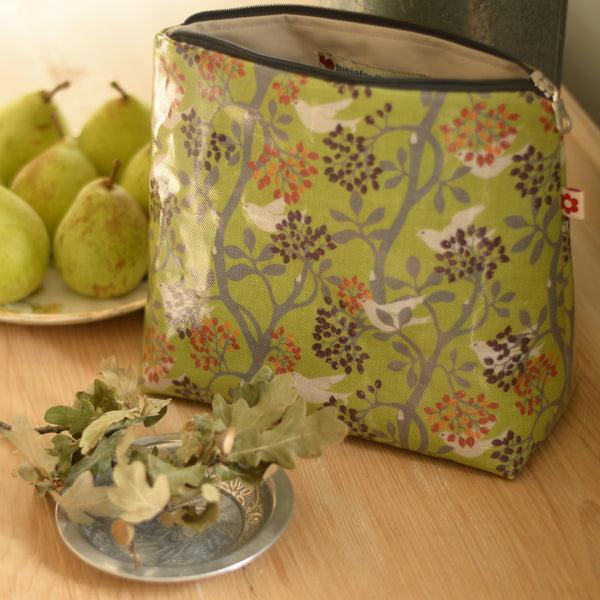 Doves Medium Oilcloth Washbag