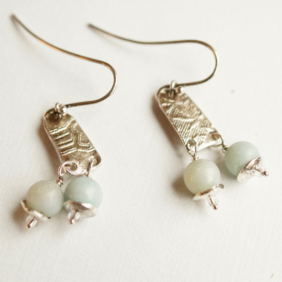 calcedony bead silver earrings