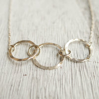 Zoom silver 3 link necklace