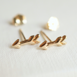 Solid gold arrow earring studs