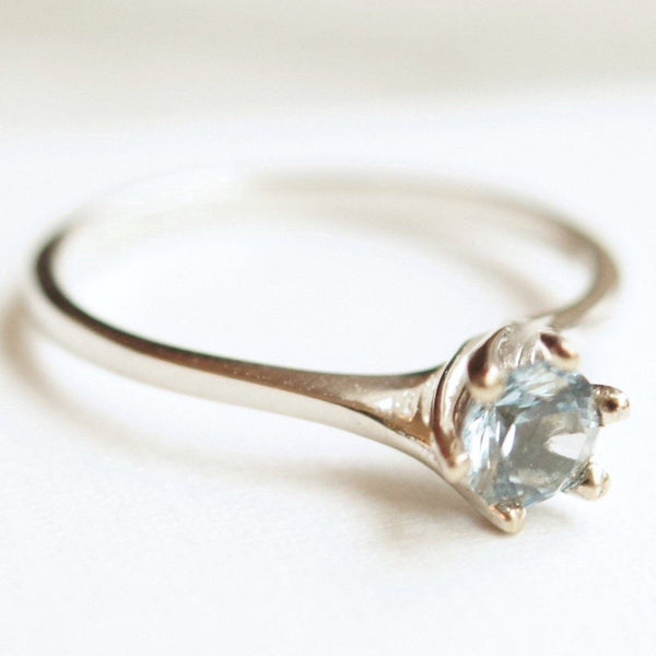 simple aquamarine white gold ring