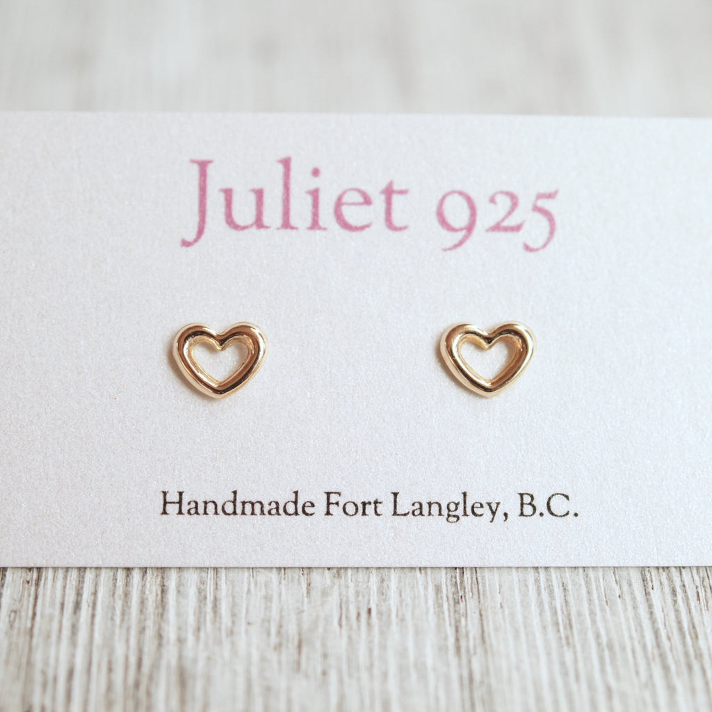 Small gold heart stud earring, simple solid 14k gold hearts
