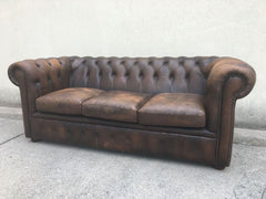 Chesterfield in cuoio brown tre posti