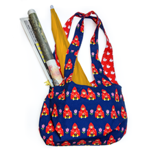 Load image into Gallery viewer, a little red in the tulip purse