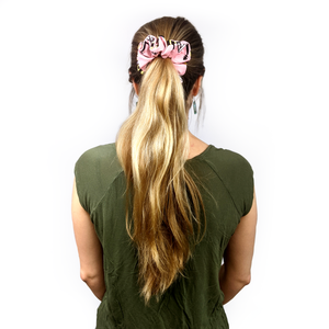 finer stings in life scrunchie