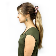 Load image into Gallery viewer, finer stings in life scrunchie