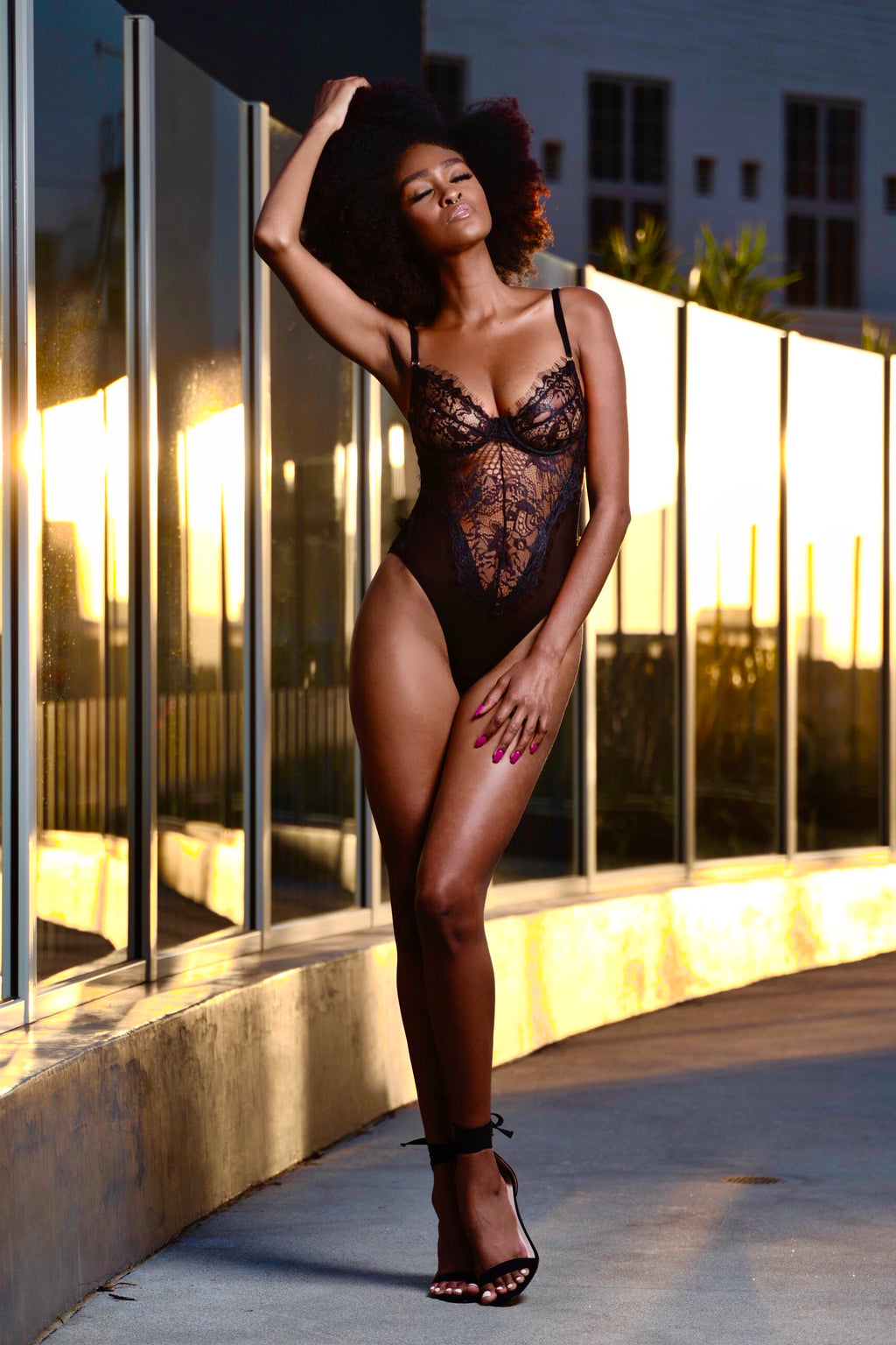 Vixen Lace Bodysuit - Black