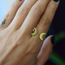 Load image into Gallery viewer, Triple Moon Goddess Ring