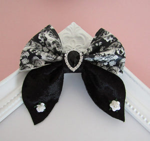 Beautiful large floral pinch bow hair clips