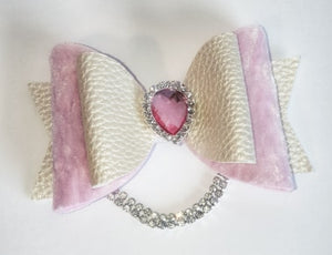 Women's and girls pink Elle bow hair clip