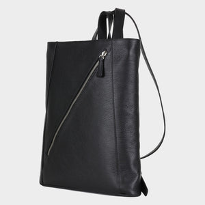 Bags-by-SUMAGEZA-SU-Backpack-slim - backpack-black-calf leather, front view-3, turned 30 degrees to the left, with a long diagonal zip on the front