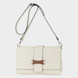 Bags-by-SUMAGEZA-SU-Bubinga - ladies bag-beige-calfskin-long handle, front-16, noble bubinga wood on the front underlines the elegant design.