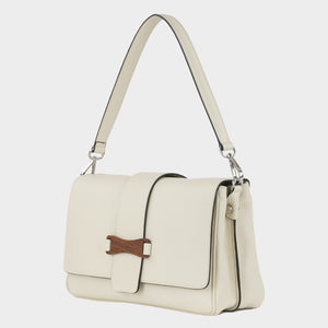 Bags-by-SUMAGEZA-SU-Bubinga - ladies bag-beige-calfskin-short handle, front-3, turned to the left by 30 degrees, bubinga wood element as decoration on the front, there is a short and long handle