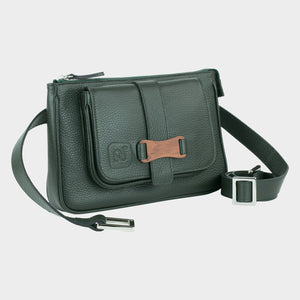 Bags-by-SUMAGEZA-SU-Le-Double-Crossbody-dark green-calf leather, front view-3, bag turned 30 degrees to the right, noble Bunbinga wood with dark leather set in harmony.