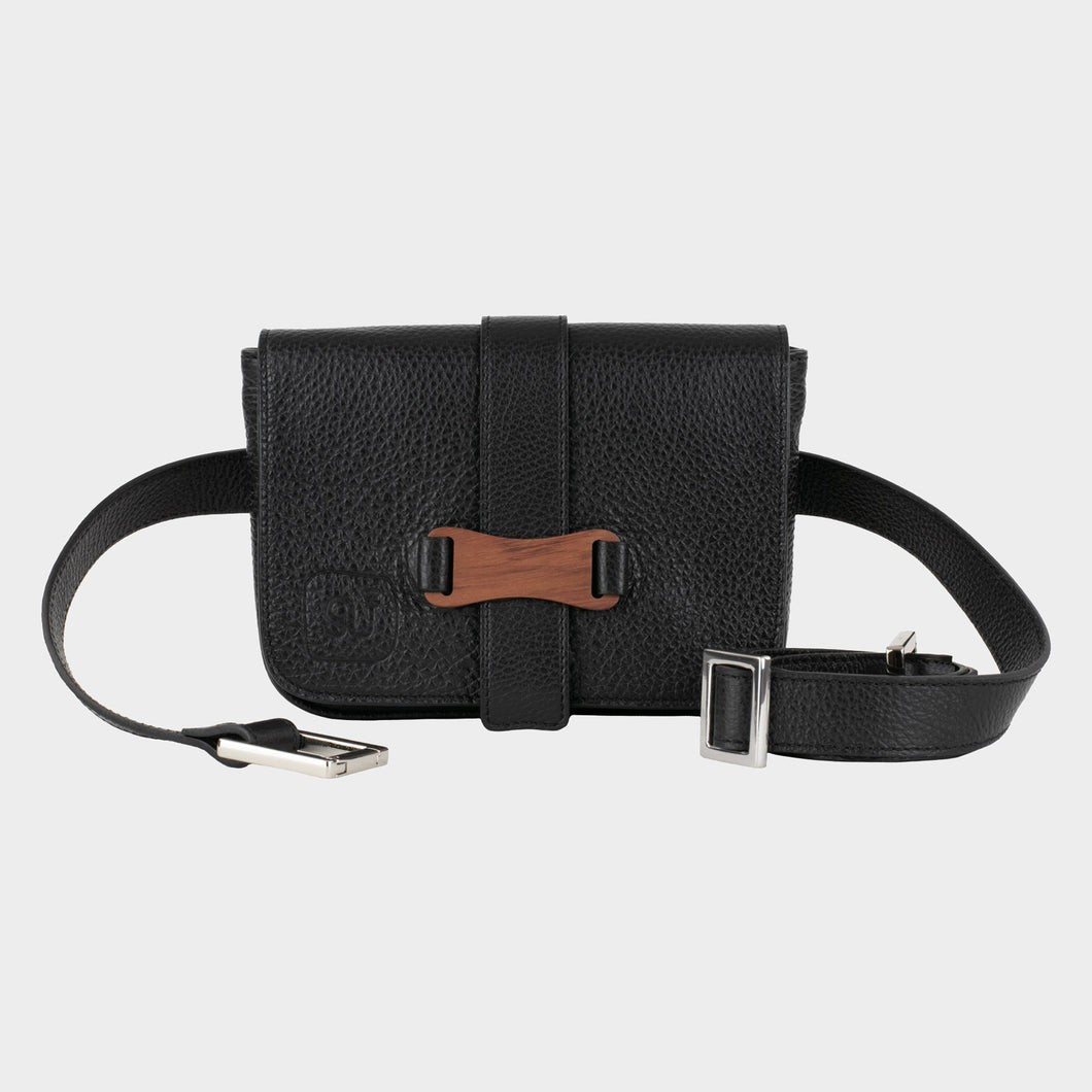 Bags-by-SUMAGEZA-SU-Le-Single - crossbody-black-calf leather, front view-1, bag to carry in 4 ways