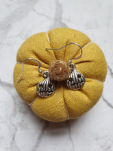 Load image into Gallery viewer, Vintage style Pumpkin Charm Earrings