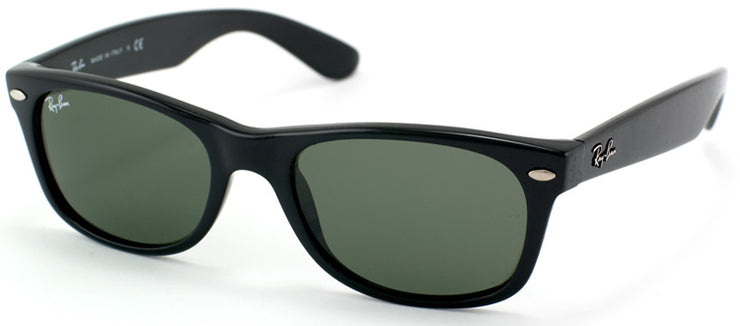 Ray-Ban RB 2132 901L Wayfarer Plastic Black Sunglasses with Green Lens