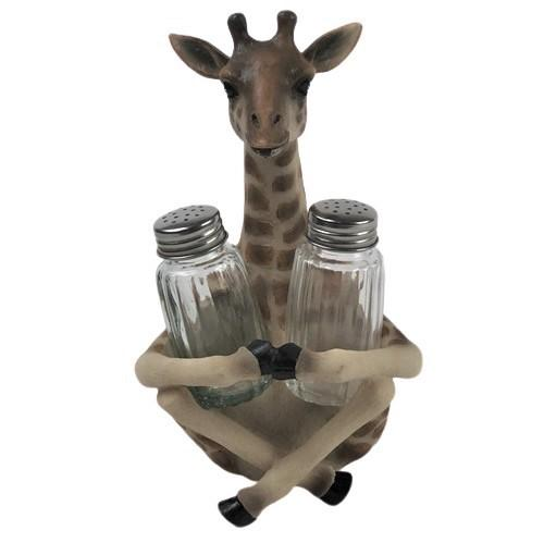 Giraffe, salt and pepper shakers, shaker set, jungle, kids decor, dining room, dining decor, gifts for the cook