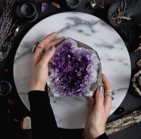Amethyst is a stone that has been known to help with meditation. The stone brings emotional, physical and psychological harmony. Used for many centuries, amethyst has also been used to bring success and prosperity.