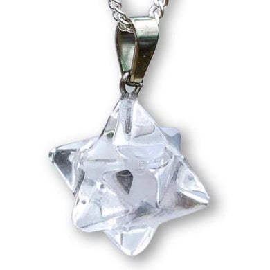 Check out our clear quartz selection for the very best in unique or custom, Clear Crystal Quartz Stone Handmade Merkaba Necklace & Pendant Crystals. Clear Quartz energizes and activates the chakras. It rasies and amplifies the energy level of any other healing stones that it touches. Estrella de david, pendiente cuarzo
