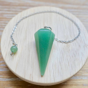 What is a pendulum? A pendulum is an object hung that swings back and forth. Buy Green Aventurine Stone Divination Pendulum, Crystal for Dowsing in Magic Crystals. Magiccrystals.com has pendulum with chakra stones for Divine Knowledge. Learn how to use a pendulum, Gemstone pendulum or pendulum stone in our site.