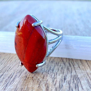Looking for a Red Jasper Stone Ring and Natural Red Jasper Jewelry? Find a authentic Red Jasper ring when you shop at Magic Crystals. Natural Red Jasper Crystal Healing ring. Red jasper properties meaning regarded as a gemstone that gives a sense of well-being, intensifying that feeling. Shop at www.magiccrystals.com