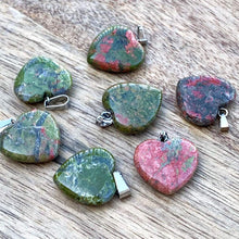 Load image into Gallery viewer, Check out our unakite pendant and necklace selection for the very best in unique, handmade pieces from Magic Crystals Unakite necklace, Heart chakra healing Unakite pendant, Healing Crystal Unakite Jewelry,Natural stones necklace,Crystal Macrame Necklace. It is a great grounding stone used after meditation and vision.