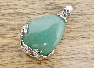 Green Aventurine Stone Handmade Tear Drop Flower Necklace-Flower Pendants-Magic Crystals