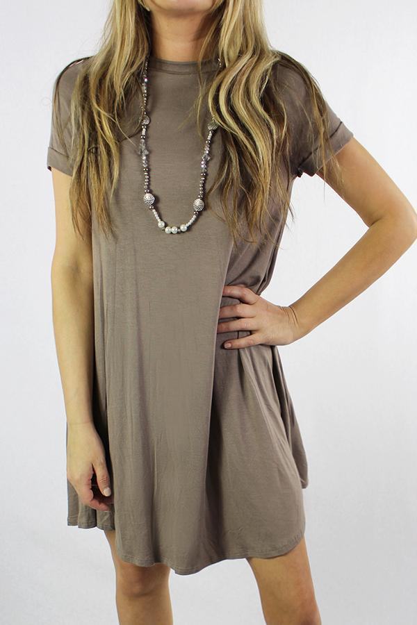 Women's Short Sleeve Crew Neck Swing Dress - Emma's Boutique