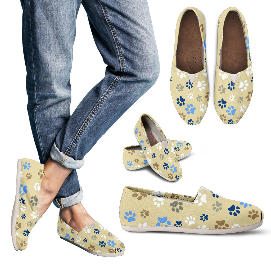 Paw prints casual shoe