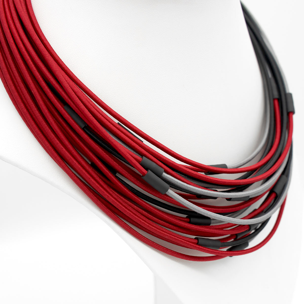 ALTERNATE WIRE NECKLACE
