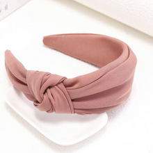 Load image into Gallery viewer, Bandeau serre-tête noué rose corail twist headband pink