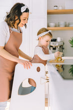 Load image into Gallery viewer, petit apprenti pink modern adult mom apron tablier maman rose