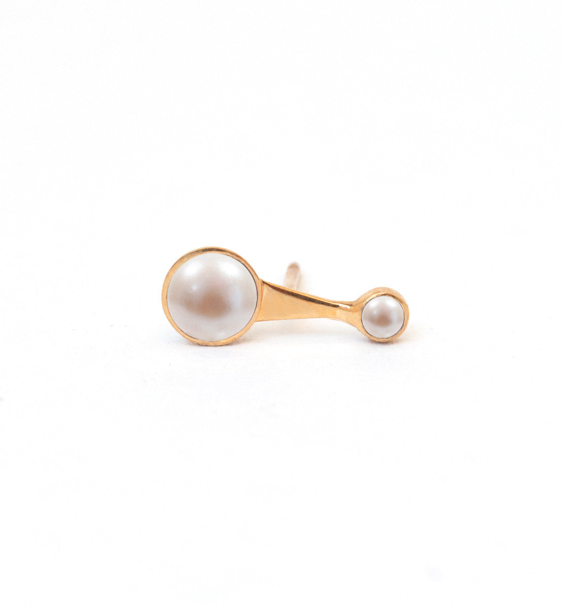 Echo  Earring with White Pearls