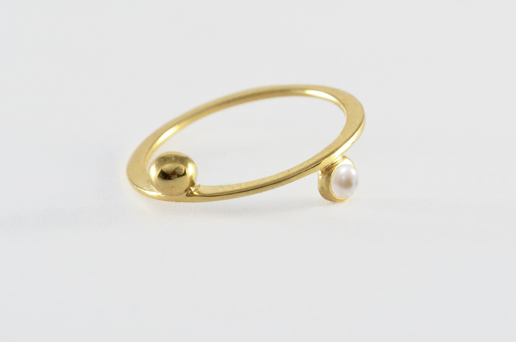 Floating Saturn Pearl Ring