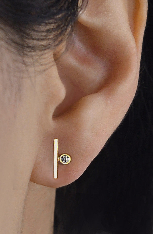 Single Diamond Bar Earring